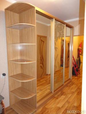 Шкаф-купе, бук светлый, с зеркалом от компании мебель на зак.